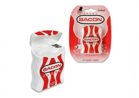 Zubní nit se slaninovou příchutí