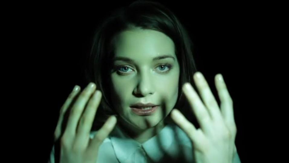 VIDEO Podívejte se, jak světlo dokáže změnit naši tvář_reddit-com