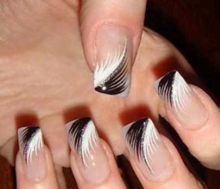 Nalakované nehty