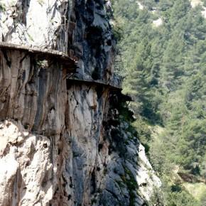 Caminito del Rey - chatrný chodník nad propastí