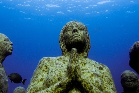 Podmořské muzeum soch v Cancúnu