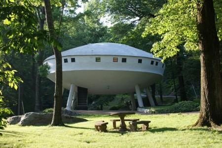 Dům vesmírná loď